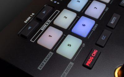Roland A-88 MKII,A88 擁有鋼琴配重的 88 鍵主控鍵盤